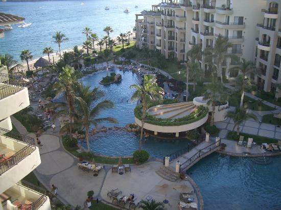 Villa La Estancia: The Pool