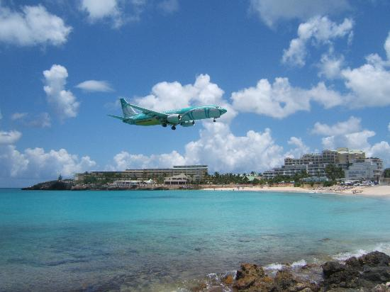 St-Martin / St Maarten : Maho Beach, Sunset Beach Bar