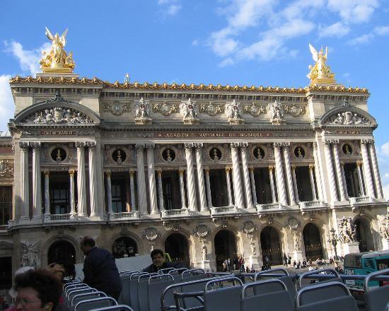 ปารีส, ฝรั่งเศส: View of the Opera from L'OPEN TOUR BUS