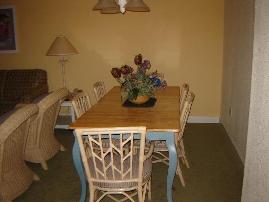 Sea Watch Resort: Dining Room