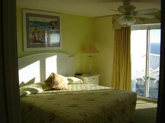 Sea Watch Resort: Master Bedroom