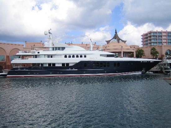 Atlantis - Harborside Resort: This yacht costs $325,000/ week