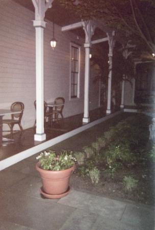 Hotel Alcott : Courtyard