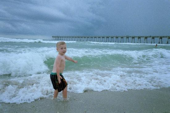 Pensacola Beach, FL: The kids loved the waves