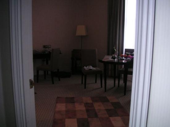 51บักกิ้งแฮมเกท ทัจ สวีทส์ แอนด์ เรสซิเดนซ์: Portion of sitting room