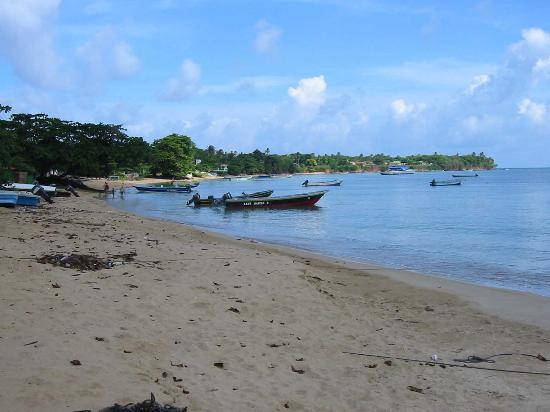 Little Corn Island, Nicaragua: Beach on Village Side