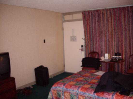 Ramada State College Hotel & Conference Center: room 2
