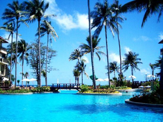 Phuket Marriott Resort & Spa, Merlin Beach: View from main pool