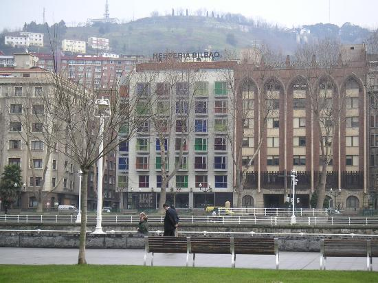 NH Collection Ria de Bilbao : view of hotel from across river
