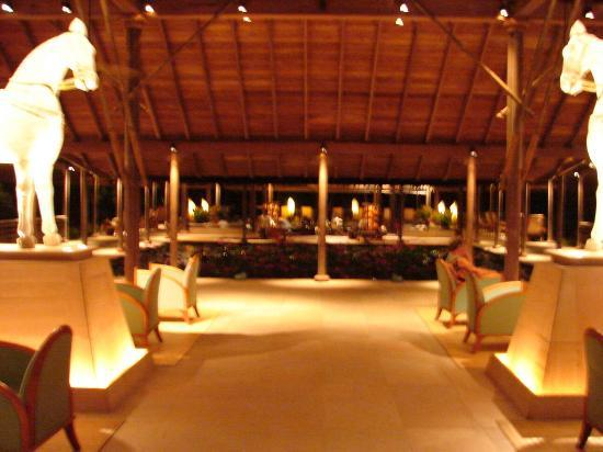 The Datai Langkawi: The Datai's Lobby & Bar
