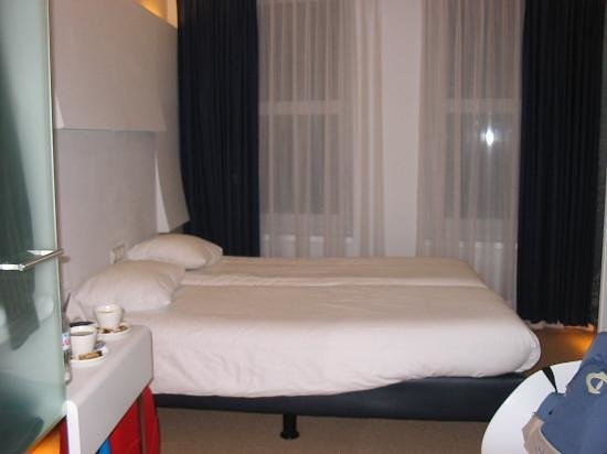 Ibis Styles Amsterdam Central Station: Comfy clean bed