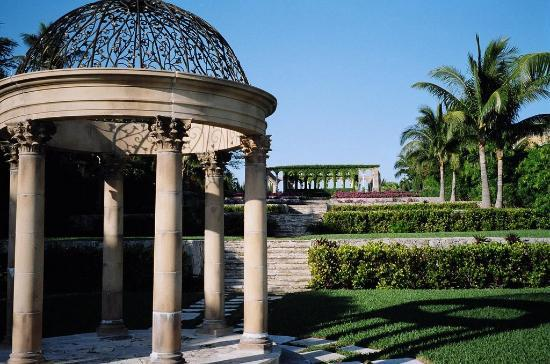 A view of the gazebo at the Cloister on Paradise Island