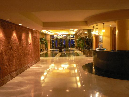 Hotel Foyer Hottingen Review : Hotel foyer picture of sentido amaragua torremolinos