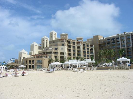 The Ritz-Carlton, Grand Cayman: left side
