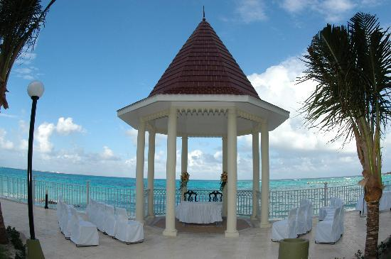 Hotel Riu Cancun Wedding Site