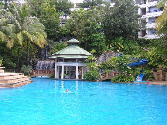 Diamond Cliff Resort and Spa: Swimming Pool