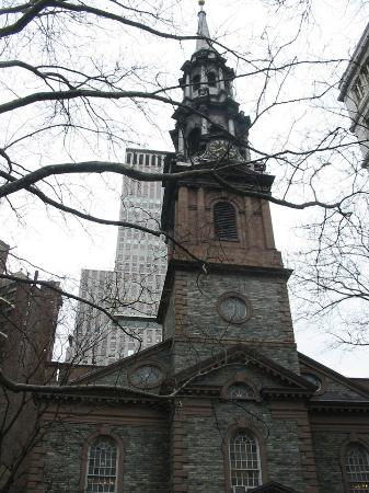 New York by, NY: St. Paul's steeple
