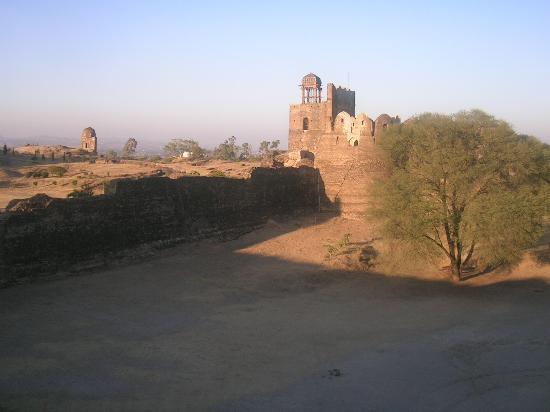Rohtas Fort: Broken Tower
