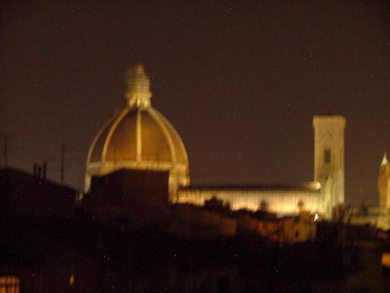 Hotel Caravaggio: View at Night from Caravaggio