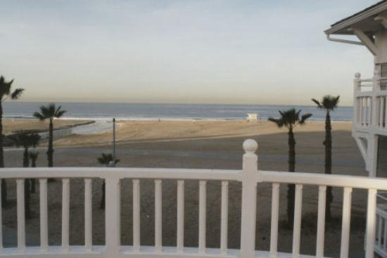 Shutters on the Beach : Ocean view from pool deck