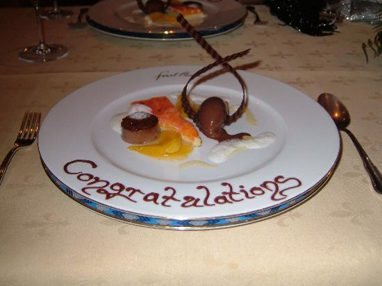 Hotel Palace Berlin: Our dessert at 1st Floor Restaurant