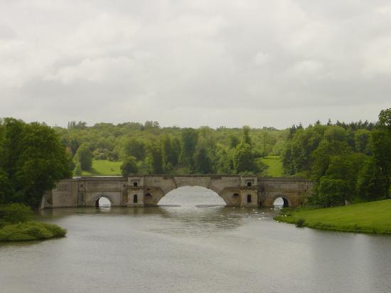Blenheim Palace: The Grand Bridge