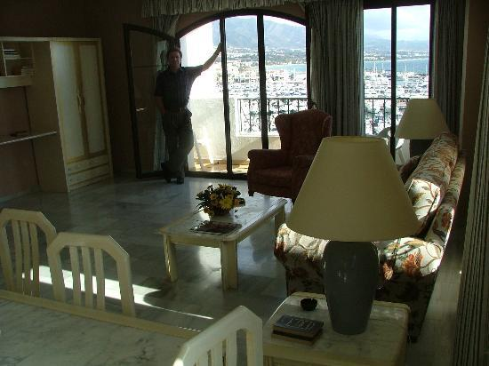 Benabola Hotel & Apartments: Room with view