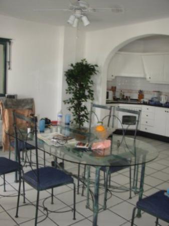 Santa Barbara Golf & Ocean Club: Our dining room/kitchen