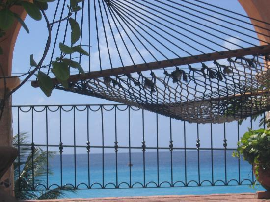 Little Arches Boutique Hotel : Laze around in one of Little Arches hammocks