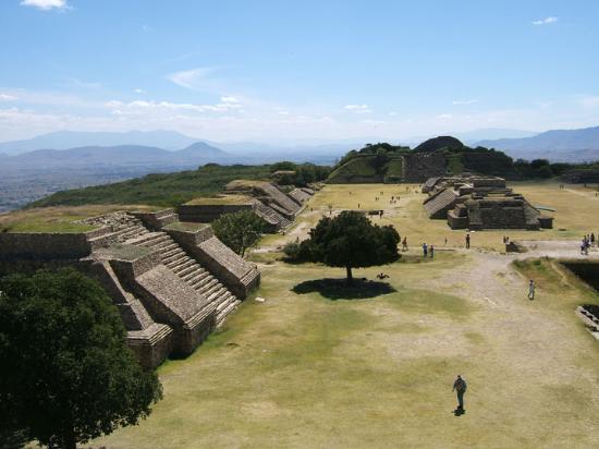 Oaxaca, México: Monte Alban pyramids
