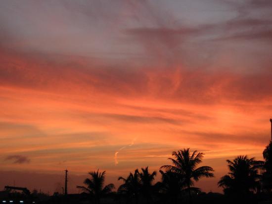 Atlantis - Harborside Resort: sunset from Harborside resturant