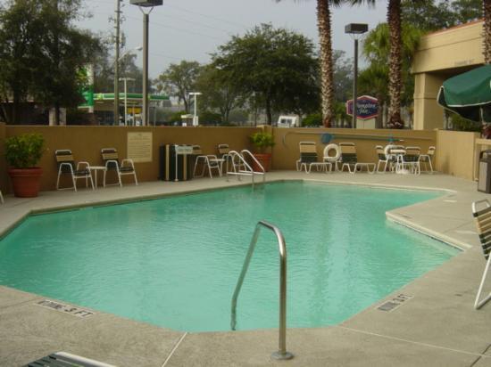 Hampton Inn Jacksonville Downtown I-95 : pool