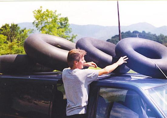 Anna's Deep Creek Cabins: Tubes for Deep Creek
