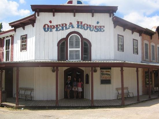 7A Ranch Resort: opera house