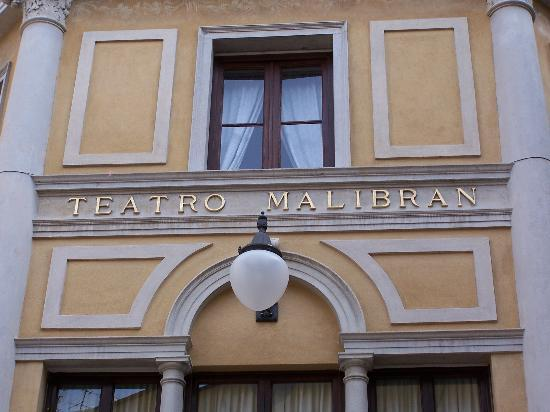 Hotel Malibran: The theatre in front of the entrance
