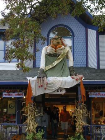 Sturgeon Bay, WI: Around Halloween... Harvest Fest Decor in Door County - Fall 2004