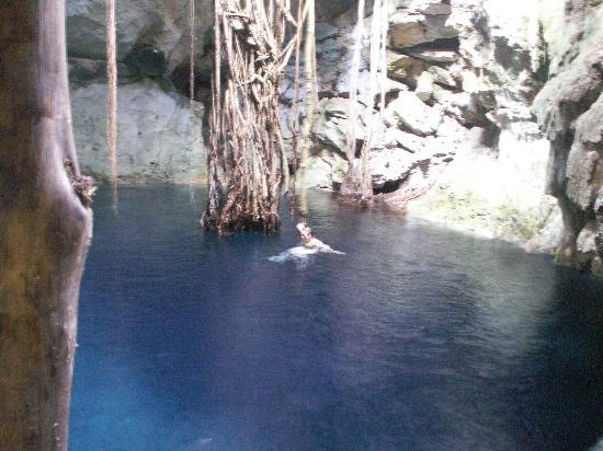 Hotel Reef Yucatan - All Inclusive & Convention Center: Bolonchojool Cenote