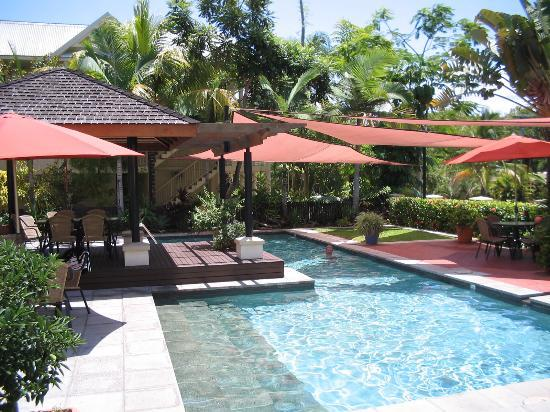 The Mediterranean - Port Douglas: pool area