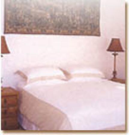 Cornerways Guest House: Super-comfortable beds!