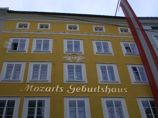 Salzburg, Österreich: Mozart's b'place