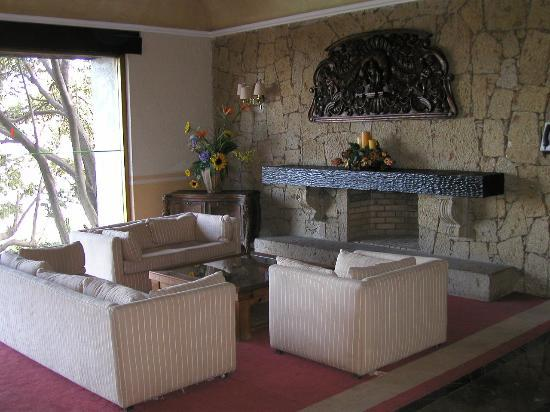 Hotel El Tapatio & Resort: lobby