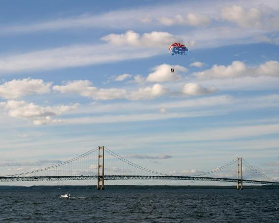 Mackinac Island, MI : Parasailing over the Mackinac Bridge