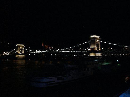 Radio Inn: The Chain Bridge