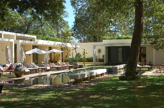 FCC Angkor: Pool Area