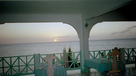 Sunset at the Coral Seas Cliffs Hotel Restaurant