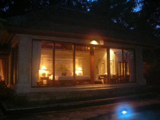 The Royal Pita Maha: View of room from outside at night
