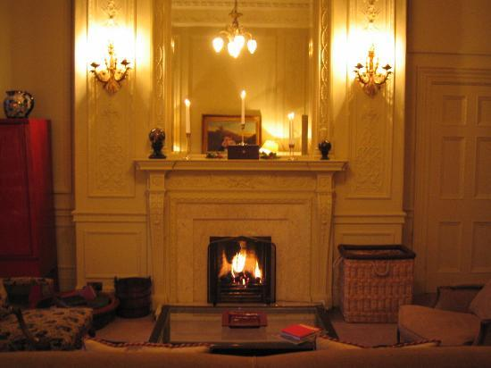 The Balmoral Hotel: Fireplace in the Scone & Crombie Suite