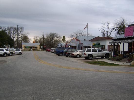 Briarfield at Round Top : Downtown Round Top