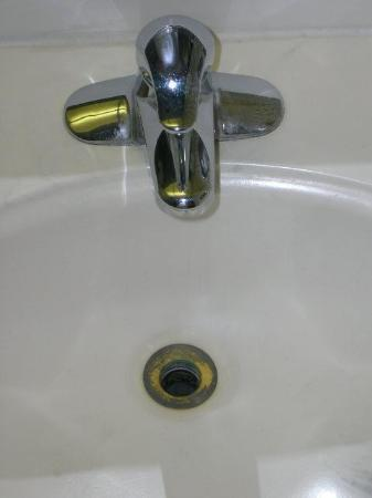 Holiday Inn & Suites Across from Universal Orlando: The sink