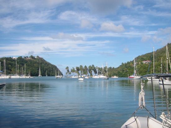 JJ's Paradise Hotel: Sunny Marigot Bay